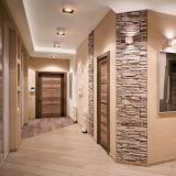 decorating-the-hallway-with-stone-the-design-of-the-hallway-with-a-decorative-stone_1